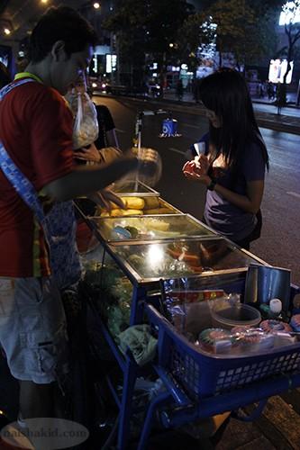 Tukang buah di Bangkok