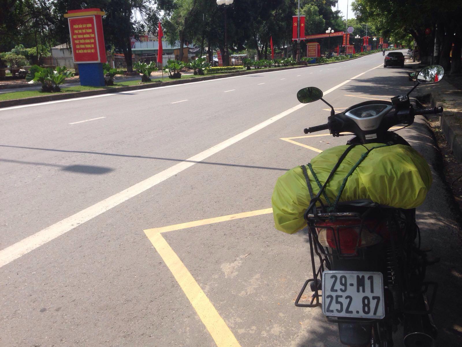 Naik Motor di Vietnam